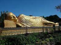 SHARE LOC: Wow! Patung Sleeping Buddha di Indonesia Bikin Mojokerto Serasa Thailand