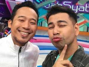 Dahsyat: <i>Selfie</i> di Studio, Raffi dan Denny Siap Terima <i>Challenge</i> dari Sahabat Dahsyat