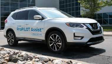 Nissan Siap Luncurkan Teknologi Semiotonom ProPilot Assist