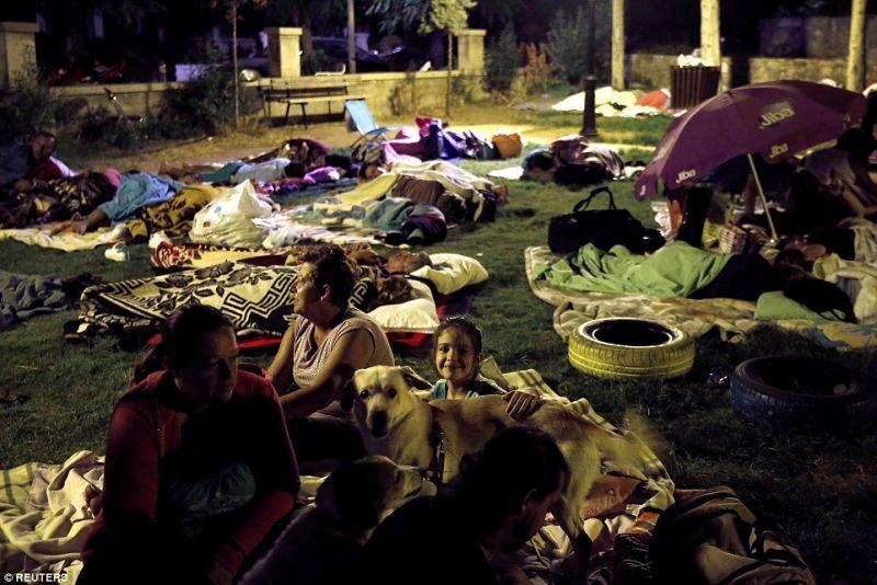 Khawatir Gempa Susulan, Warga Turki Pilih Tidur di Luar Rumah