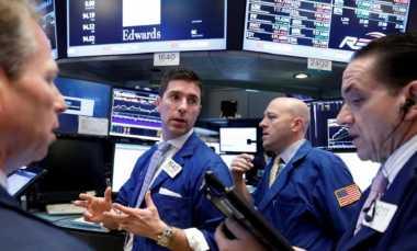 Laba Emiten Turun, Wall Street Ditutup Koreksi