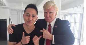 """FOTO: Pose Bareng """"Donald Trump"""", Demian Aditya Bikin Netizen Kaget"""