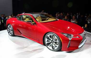 Mesin Lexus LC 500 5.000 Cc tapi Top Speed-nya 270 Km/Jam, Kenapa?
