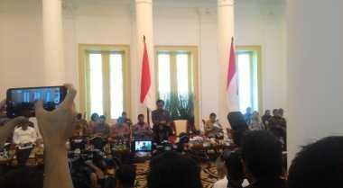 \Kumpulkan Menteri Ekonomi di Istana, Jokowi Bahas Catatan World Bank\