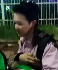 Waduh! <i>Netizen</i> Geram Lihat Video <i>Driver</i> Grab 'Hajar' Penumpang