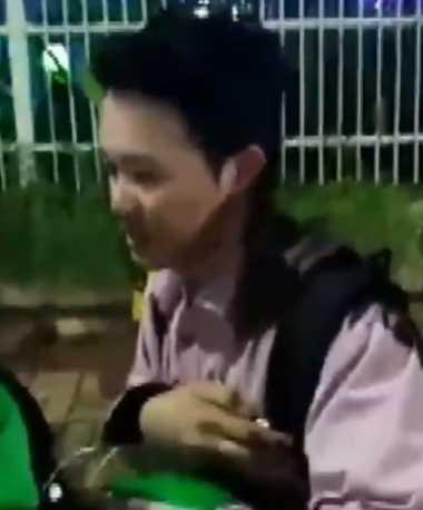 Waduh! Netizen Geram Lihat Video Driver Grab 'Hajar' Penumpang