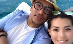 FOTO: Usai Menikah dengan Viviane, Sammy Simorangkir Pamer Pose Ciuman