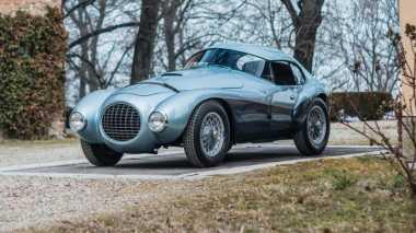 Tiga Mobil Ferrari Paling Aneh Akan Dijual,Tertarik?