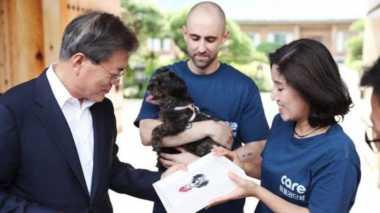 Tepati Janji Kampanye, Presiden Korsel Adopsi Anjing Tunawisma