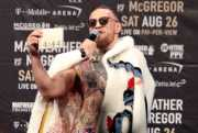 Komentari Soal McGregor, Mayweather: Dia Tidak Buruk Tapi Kualitasnya di Bawah Saya