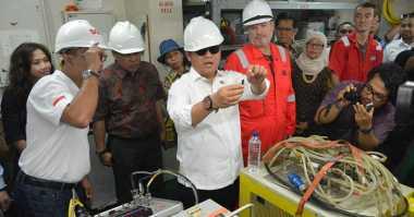 Mantap! Pemasangan Kabel Optik Bawah Laut Palapa Ring Barat Resmi Digelar