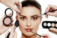 Jangan Percaya 14 Mitos Kecantikan, dari Mencabut Uban hingga Mengucek Mata