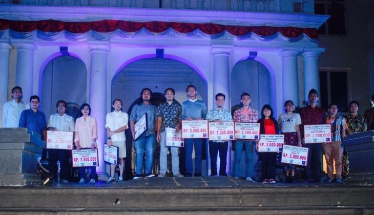 Tepuk Tangan! Mahasiswa Indonesia Sabet Juara Dua di ASEAN Literary Festival