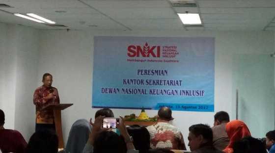 <i>Duh</i>, Menko Darmin Sebut Sumber Utama Kemiskinan Indonesia adalah Lahan!