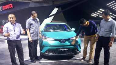 Ternyata, Toyota C-HR Hybrid Itu 'Prius Berjubah SUV'