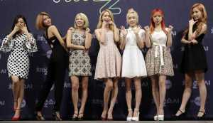 Untuk Ketiga Kali, SNSD Puncaki <i>Chart</i> Album Dunia Billboard Lewat 'Holiday Night'