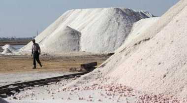 \Banyak Daerah di Indonesia Berpotensi Hasilkan Garam\