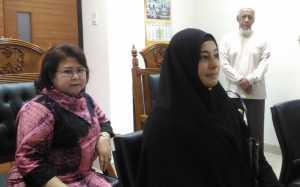 Tak Peduli Kata Cinta, Istri Nilai Ustadz Al Habsyi Sedang <i>Galau</i>