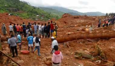 Setelah Dua Hari, Korban Tanah Longsor Sierra Leone Akhirnya Dapat Bantuan Makanan
