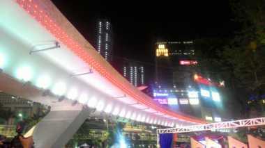 \Atraksi Lampu Simpang Susun Semanggi Sambut Peresmian dari Jokowi\