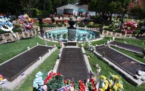 Peraturan Baru Berkunjung ke Makam Elvis Presley, Penggemar Bakal Dimintai Biaya