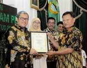 Bisa Jadi Contoh, 70 Orang dan Lembaga yang Raih Penghargaan Teladan dari Gubernur Aher