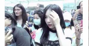 FOTO: Penyambutan Taeyeon SNSD Ricuh, Triawan Munaf Angkat Bicara dan Minta Maaf