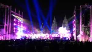 Penampilan Shakatak Bikin Malam di Prambanan Makin Mempesona