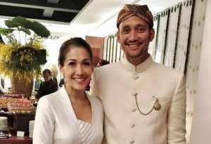 FOTO: Tampil Kompak, Tora Sudiro & Mieke Amalia Pamer Senyum di Pernikahan Moreno Soeprapto-Noorani Sukardi