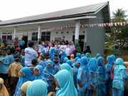 Silaturahmi ke Ponpes Al Hikmah, Kartini Perindo Kutai Barat Bagikan Alat Tulis