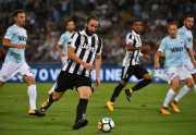 Sudah Buktikan Kualitas, Luca Toni Sebut Higuain sebagai Salah Satu Striker Terbaik Dunia
