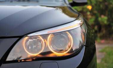 Ingin Ganti Lampu Depan Mobil, Perhatikan Hal Ini!