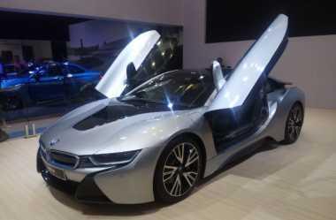 10 Orang Ingin Beli Mobil Sport i8 di GIIAS, BMW: Mereka Enggak Peduli Harganya!