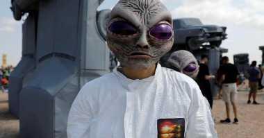 Hiii... Ada Alien saat Terjadi Gerhana Matahari di Amerika Serikat