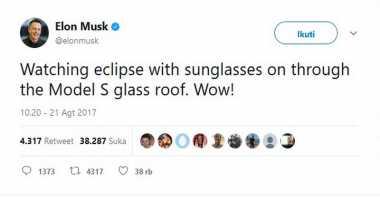 Keren! Elon Musk Nonton Gerhana Matahari Total dari Balik Kaca