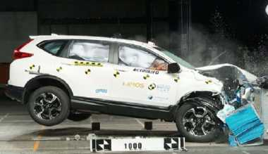 Honda CR-V Turbo Diuji Tabrak, Ini Hasilnya