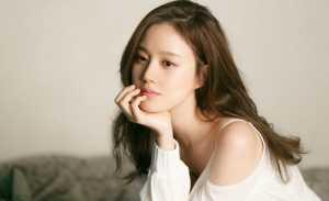 Bermain dalam Film Sejarah, Moon Chae Won Akan Beradu Akting dengan Ji Sung