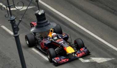 Tampil Konsisten Setiap Minggu, Webber: Ricciardo Pembalap Paling Andal di F1