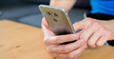 Mengejutkan! Menggunakan Smartphone Ternyata Bisa Bikin Bodoh, Kok Bisa?
