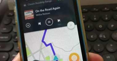 Mantap! Pengguna iOS Kini Bisa Akses Spotify di Waze