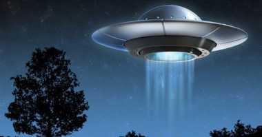 TOP TECHNO: UFO yang Menyala Mirip Petir Tertangkap Kamera hingga Bahasa Kuno Ini Masih Menjadi Misteri