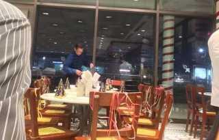 Tak Ada yang Datang di Pesta Ulang Tahun Kakek Ini, Pengunjung Restoran Lakukan Hal Mengharukan