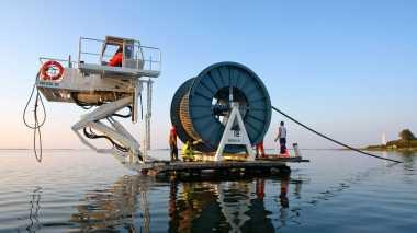 Tingkatkan Kecepatan Internet, Microsoft dan Facebook Tanam Kabel Laut 6.600 Km