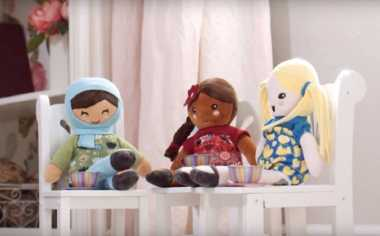 Ameena, Boneka Berhijab Pertama yang Menangi Penghargaan Mainan Langka Paling Inovatif