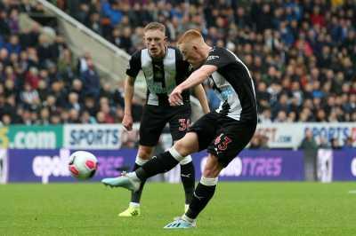 Man United Tumbang di Kandang Newcastle