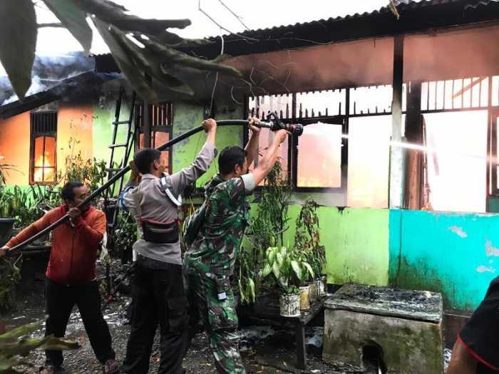Kompleks Perumahan Bandara Sentani Jayapura Terbakar, 8 Rumah Hangus