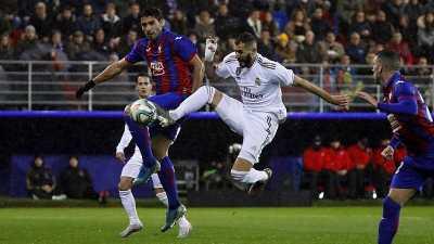 Benzema Dua Gol, Real Madrid Tekuk Eibar 4-0
