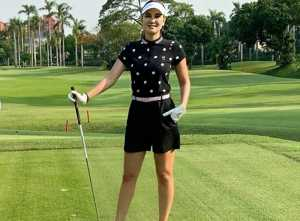 5 Gaya Luna Maya Main Golf, Netizen: Cantik Tidak Ada Duanya