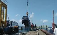 Evakuasi Lanjutan KMP Dharma Rucitra, 6 Mobil Diangkat dari Lambung Kapal