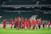 Bayern Cetak 100 Gol, Hoeness: Pencapaian Sensasional!